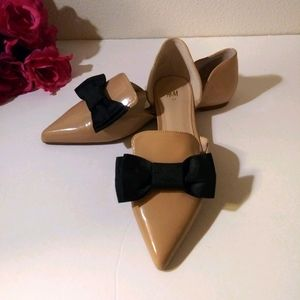 NWT H&M Bow Front Pointed Toe Flats Size 6
